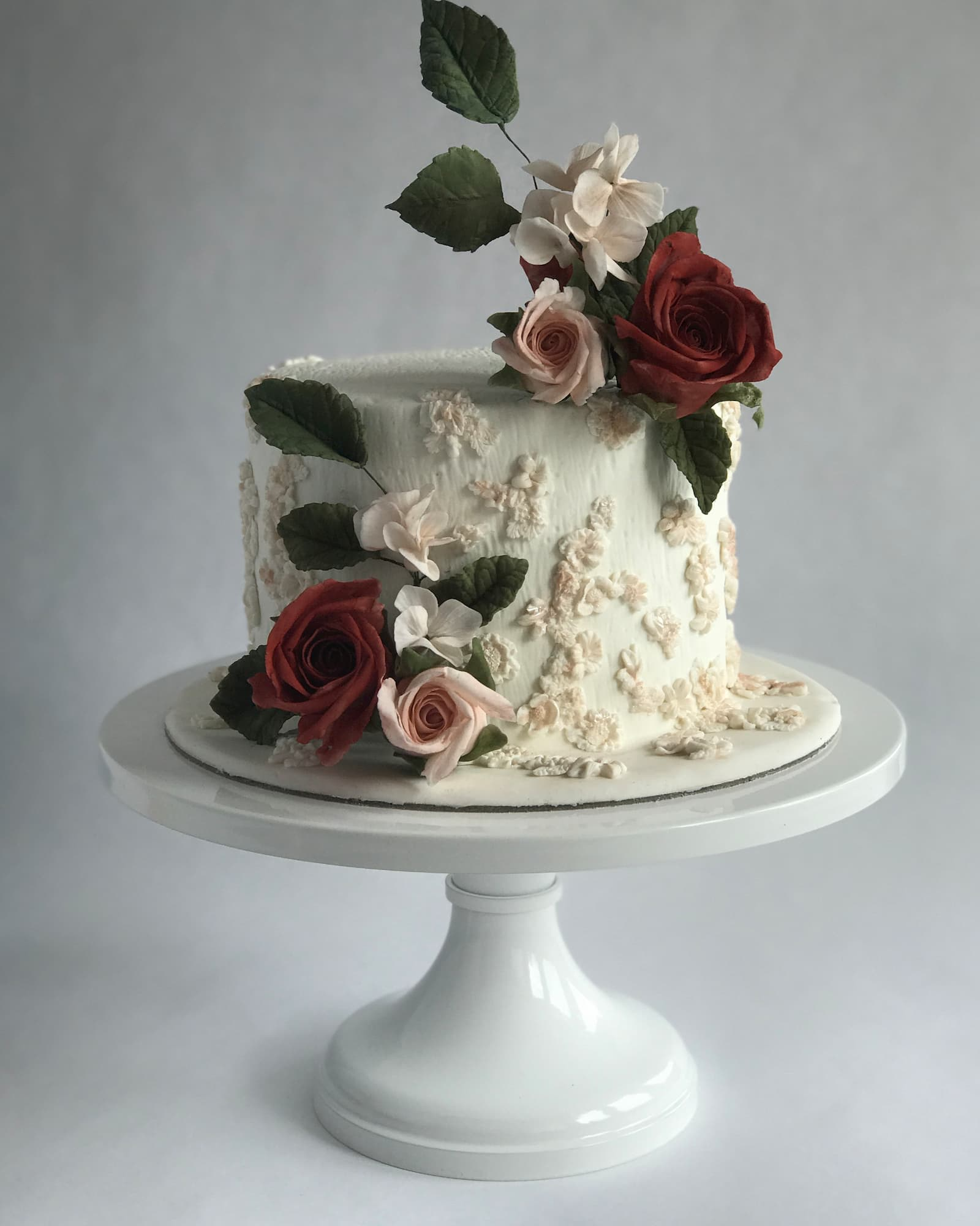 Roseraé Cakes Red Rose Embroidery